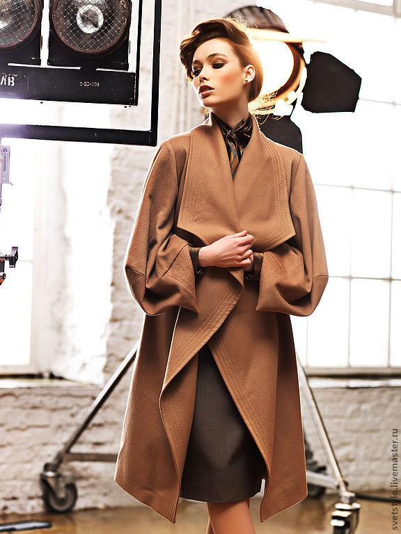 Серое пальто прямое фото