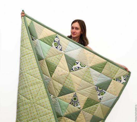 Текстиль, ковры ручной работы. Ярмарка Мастеров - ручная работа. Купить Лоскутное одеяло зелено-бежевое. Handmade. Зеленый