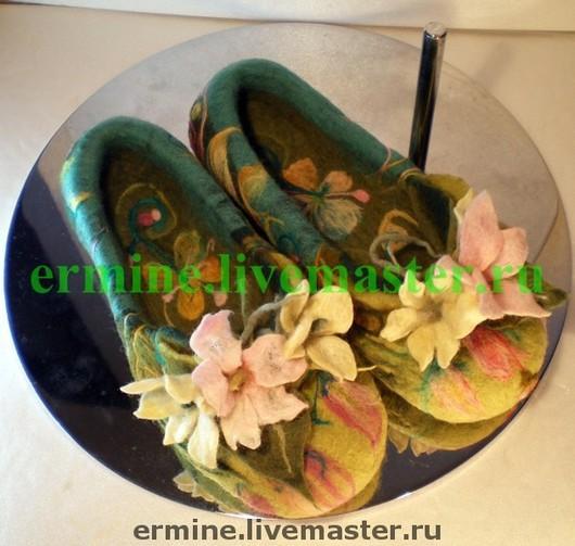Handmade Shoes handmade. Livemaster - handmade. Buy felted Slippers'Tender'.Handmade, bright green, children's slippers, wool