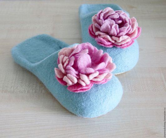 """Обувь ручной работы. Ярмарка Мастеров - ручная работа. Купить Тапочки """"Нежность"""". Handmade. Мятный, пион, розы, уют, микропора"""
