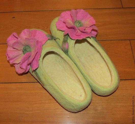 """Обувь ручной работы. Ярмарка Мастеров - ручная работа. Купить Валяные тапочки """"Яблочный мак"""". Handmade. Валяные тапочки, подарок"""
