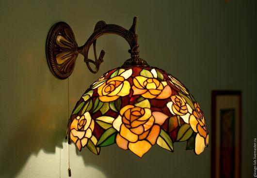 Лампа Тиффани `Розовый этюд`, бра, стекло, D- 31 см, 389 деталей.
