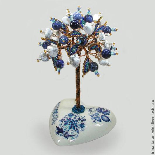 Подарок из камней. Дерево благополучия - гжелка из кахолонга и лазурита