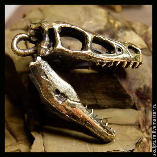 """Подарки для мужчин, ручной работы. Ярмарка Мастеров - ручная работа. Купить Брелок для ключей """"Череп велоцираптора"""". Handmade. Брелок, бронза"""