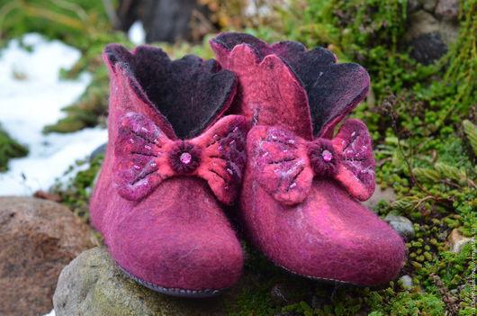 """Обувь ручной работы. Ярмарка Мастеров - ручная работа. Купить Валяные тапочки, домашние чуни """"Уютный вечер"""". Handmade. Бордовый"""