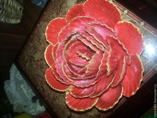 """Цветы ручной работы. Ярмарка Мастеров - ручная работа. Купить Цветок из ракушек """"Роза"""". Handmade. Ярко-красный, подарок девушке"""
