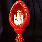 Подарки к праздникам ручной работы. Ярмарка Мастеров - ручная работа Яйцо пасхальное с миниатюрой красное. Handmade.