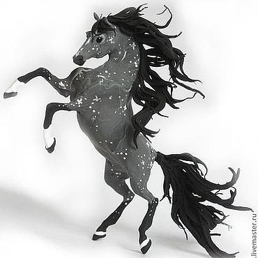 """Для дома и интерьера ручной работы. Ярмарка Мастеров - ручная работа Фигурка """"Серая лошадь в яблоках"""" (на дыбы, поза: свечка). Handmade."""