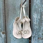 Куклы и игрушки ручной работы. Ярмарка Мастеров - ручная работа Вишни цвет -  туфли для большой куклы. Handmade.