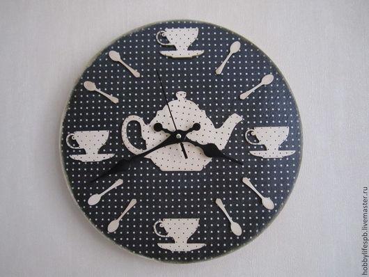 """Часы для дома ручной работы. Ярмарка Мастеров - ручная работа. Купить Часы настенные """"Классический """"горошек"""""""". Handmade. Декупаж"""