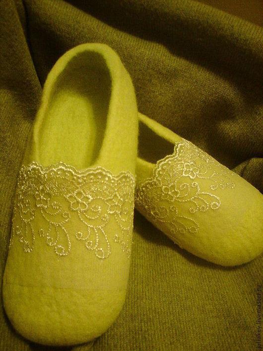 Обувь ручной работы. Ярмарка Мастеров - ручная работа. Купить тапочки валяные Игристое шампанское. Handmade. Желтый, шерсть 100%