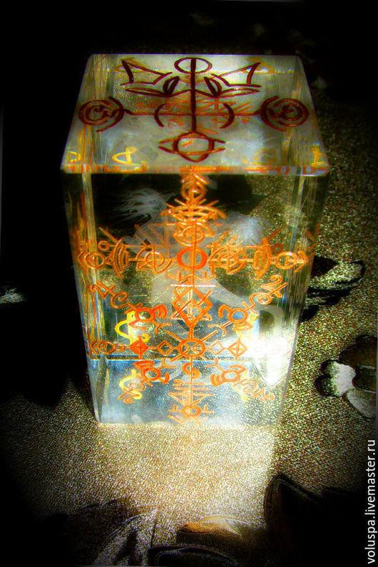 """Обереги, талисманы, амулеты ручной работы. Ярмарка Мастеров - ручная работа. Купить Куб-Стелла """"Я - Лидер"""", кристалл с ручной гравировкой. Handmade."""