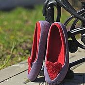 """Обувь ручной работы. Ярмарка Мастеров - ручная работа """"Два любящих сердца"""" валяные тапочки-балетки. Handmade."""