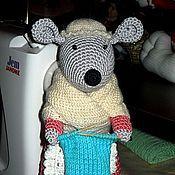 Куклы и игрушки ручной работы. Ярмарка Мастеров - ручная работа Мышь - вязальщица. Handmade.