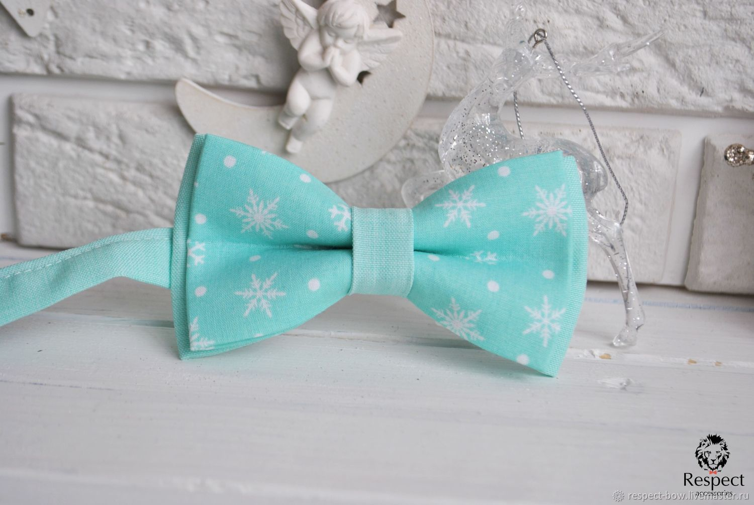 Mint bow tie for men, women or child you buy in the online store, with prompt delivery. Christmas bow tie to buy for Christmas gift for a friend or boyfriend