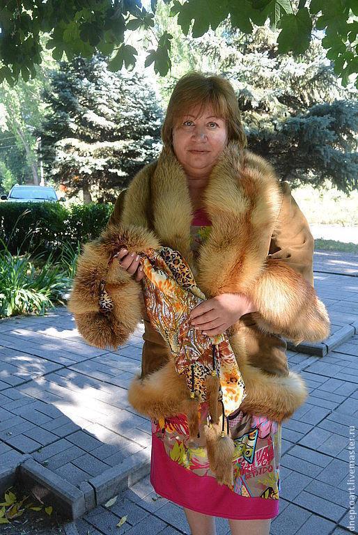 Верхняя одежда ручной работы. Ярмарка Мастеров - ручная работа. Купить Куртка с отделкой из лисы с шарфом капором с опушкой. Handmade.