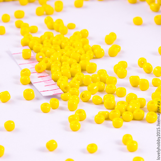 бисер матовый желтый мелкий