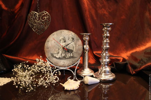 """Часы для дома ручной работы. Ярмарка Мастеров - ручная работа. Купить Часы винтажные на подставке"""" Зимние забавы"""". Handmade. Серебряный"""
