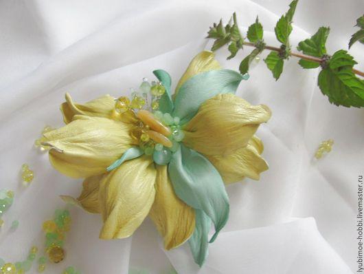 Броши ручной работы. Ярмарка Мастеров - ручная работа. Купить Брошь-цветок из кожи. Утренняя свежесть. Handmade. Мятный цвет