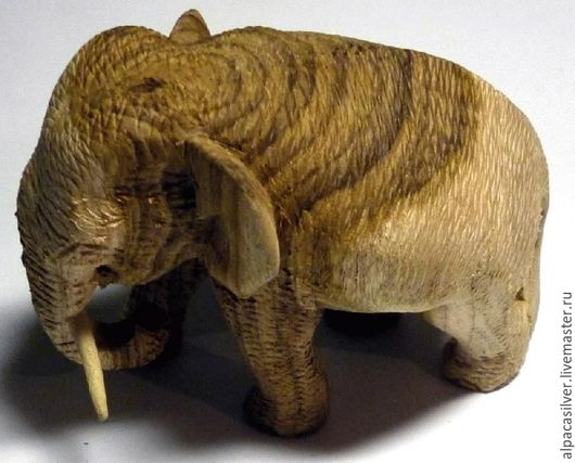 Статуэтки ручной работы. Ярмарка Мастеров - ручная работа. Купить Слон, статуэтка из дерева, натурального цвета, с клыками из кости. Handmade.
