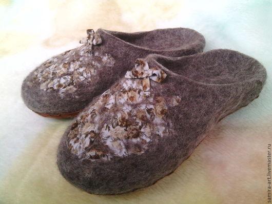 """Обувь ручной работы. Ярмарка Мастеров - ручная работа. Купить Тапочки валяные """"Evita"""". Handmade. Коричневый, кожа, шерстяные тапочки"""