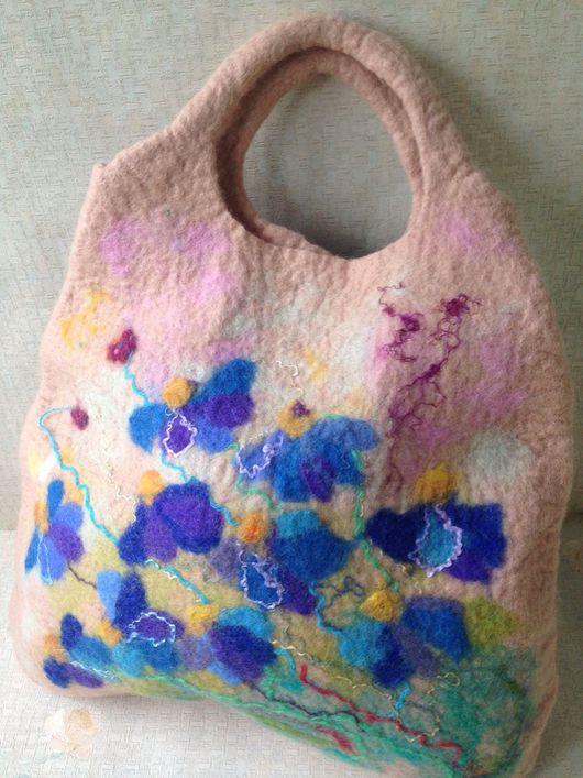 Женские сумки ручной работы. Ярмарка Мастеров - ручная работа. Купить Валяная сумка Яркие цветы. Handmade. Бледно-розовый