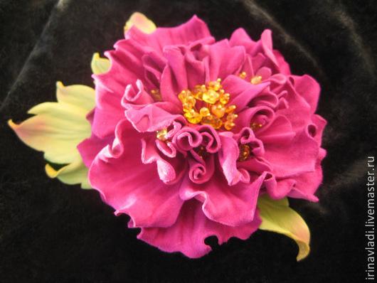 цветы из кожи, кожаный цветок брошь, кожаная заколка с цветком, пион из кожи, кожаный пион брошь,  ободок с цветком, пион цвет фуксии,украшения из кожи, цветы ручной работы, изделия из кожи, аксессуар