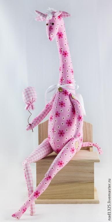Жираф `Романтичное настроение` -  текстильная игрушка в стиле `тильда работа представлена для примера