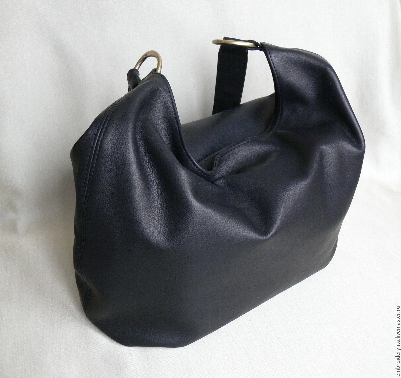 fcff359cb5f7 Кожаная сумка мягкой формы. Застегивается на металлическую молнию, цвет  золото. Женская ...