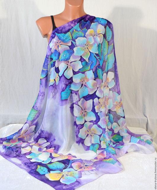 Шали, палантины ручной работы. Ярмарка Мастеров - ручная работа. Купить Платок шелковый батик Белые цветы на фиолетовом. Handmade.