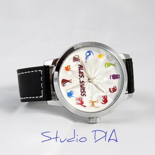 Часы Под Заказ - Кошки Разноцветные (Именные). Студия Дизайнерских Часов DIA.