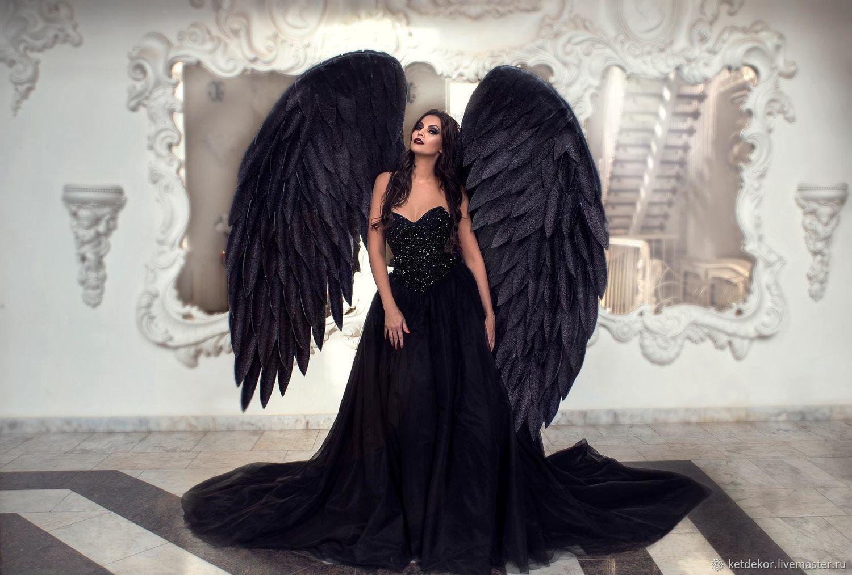 Фотосессия с крыльями черного ангела продукция, которая