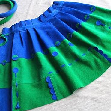 Работы для детей, ручной работы. Ярмарка Мастеров - ручная работа Юбка детская из замши ярко-зеленого и василькового цветов. Handmade.