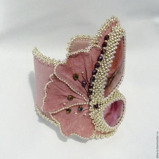 Браслеты ручной работы. Ярмарка Мастеров - ручная работа. Купить Браслет Бабочка Натуральный камень Бисер Замша розовый серебряный. Handmade.