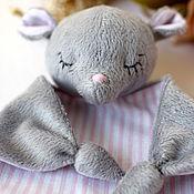 Куклы и игрушки ручной работы. Ярмарка Мастеров - ручная работа Комфортер мышка (засыпайка, обнимашка). Handmade.