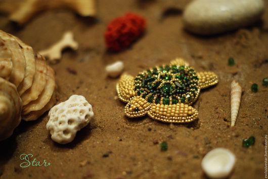 """Броши ручной работы. Ярмарка Мастеров - ручная работа. Купить Брошь """"Зеленая морская черепаха"""". Handmade. Золотой, брошь черепаха"""