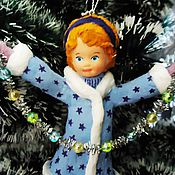 Подарки к праздникам ручной работы. Ярмарка Мастеров - ручная работа Ватная елочная игрушка - девочка с гирляндой. Handmade.