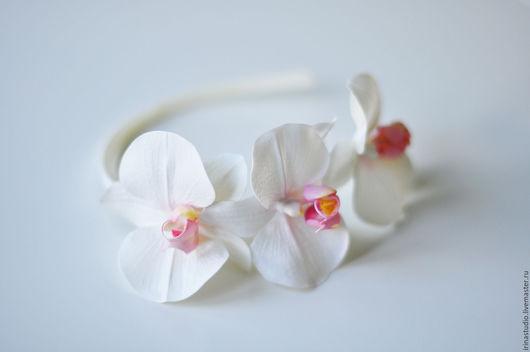 Диадемы, обручи ручной работы. Ярмарка Мастеров - ручная работа. Купить Ободок с орхидеями. Handmade. Белый, обруч с цветами