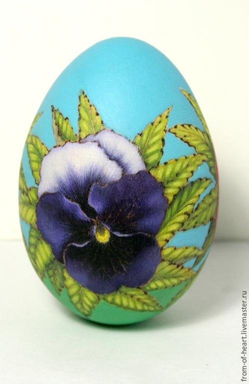 Деревянное расписанное Пасхальное яйцо с цветами