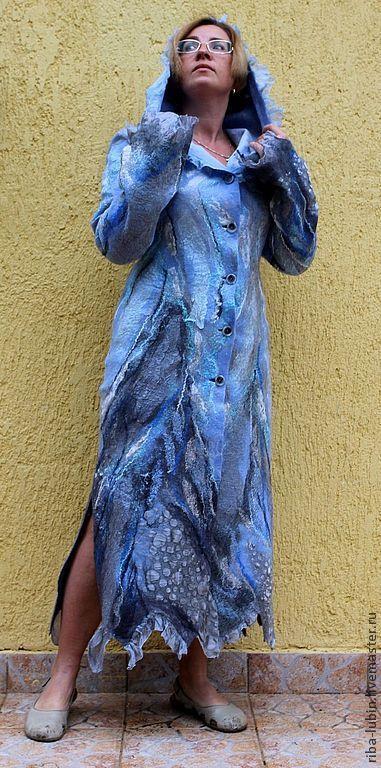 """Верхняя одежда ручной работы. Ярмарка Мастеров - ручная работа. Купить Валяное пальто """"Небо цвета дождя"""". Handmade. Голубой"""
