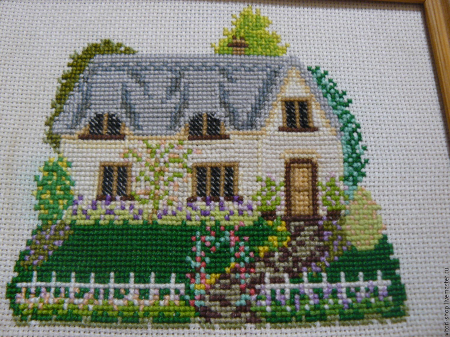 Embroidered picture ' house with a garden  ', Pictures, Vyborg,  Фото №1