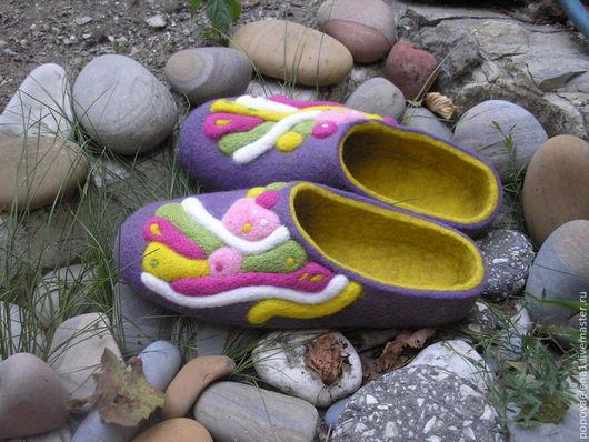 """Обувь ручной работы. Ярмарка Мастеров - ручная работа. Купить Валяные тапочки """" Сливовая карамель"""". Handmade. Фиолетовый"""