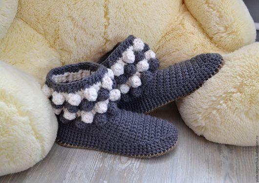 """Обувь ручной работы. Ярмарка Мастеров - ручная работа. Купить Домашние вязаные сапожки """"Снег в ноябре"""". Handmade. Темно-серый"""