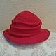 Валяная шляпка `Красная`, шерсть 100%. Авторская работа Марины Маховской.