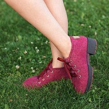 Обувь ручной работы. Ярмарка Мастеров - ручная работа Туфли женские валяные Ягодный Микс. Handmade.