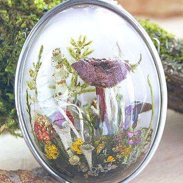 Украшения ручной работы. Ярмарка Мастеров - ручная работа Подарок женщине. Лесной кулон с грибами из эпоксидной смолы. Handmade.