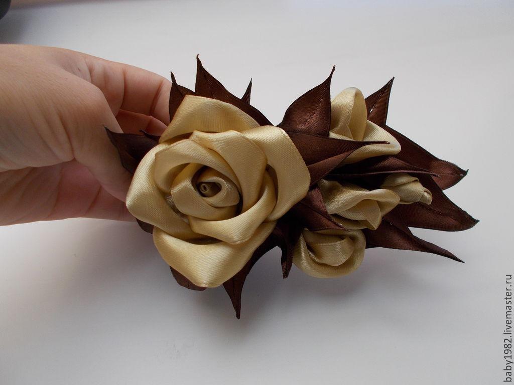Заколка из атласных лент розы