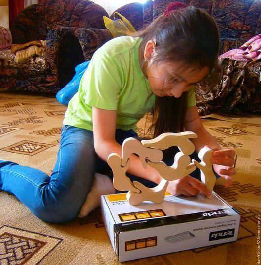 """Развивающие игрушки ручной работы. Ярмарка Мастеров - ручная работа. Купить Пирамидка """"Акробаты"""". Handmade. Натуральное дерево, развитие моторики"""