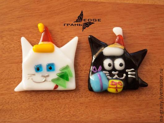 """Магниты ручной работы. Ярмарка Мастеров - ручная работа. Купить магниты """"Новогодние Коты"""". Handmade. Чёрно-белый, новогодний подарок"""
