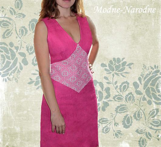 Льняное платье с ручной вышивкой Малинка. Творческое ателье Modne-Narodne. \r\nМодная одежда с ручной вышивкой.